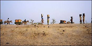 women carrying water in Africa