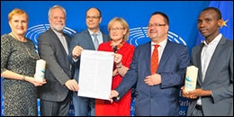 CCME and CEC representatives presented the Christmas statement to First Vice-President of the European Parliament Mairead McGuinness